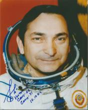 Valery Bykovsky Vostok 5 Russian Cosmonaut signed colour 10 x 8 portrait photo, inscribed with all