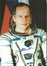Anatoly Solovyov TM5/4, 9, 15 Russian Cosmonaut signed 10 x 8 colour white space suit photo. Good