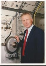Sigmund Jahn Astronaut signed 6 x 4 colour business suit portrait photo. Good Condition. All