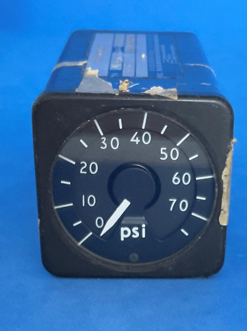 Nimrod XV255 Pressure Indicator Gauge. NSN: 6620 99 467 6157. Removed From Aircraft XV255. Good used