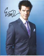 Eric Mabius 10x8 signed 3/4 length portrait colour photo. American actor. Born in Harrisburg,