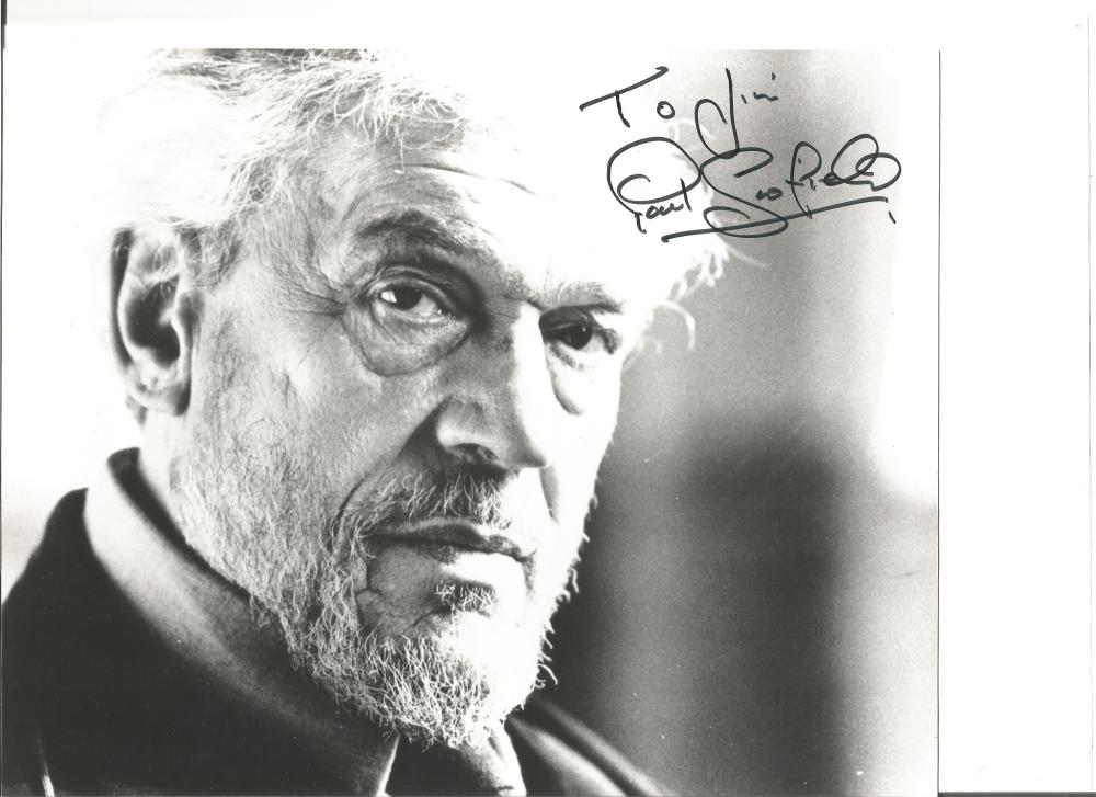 Paul Scofield signed 10x8 b/w photo. 21 January 1922 – 19 March 2008 was an English actor of stage
