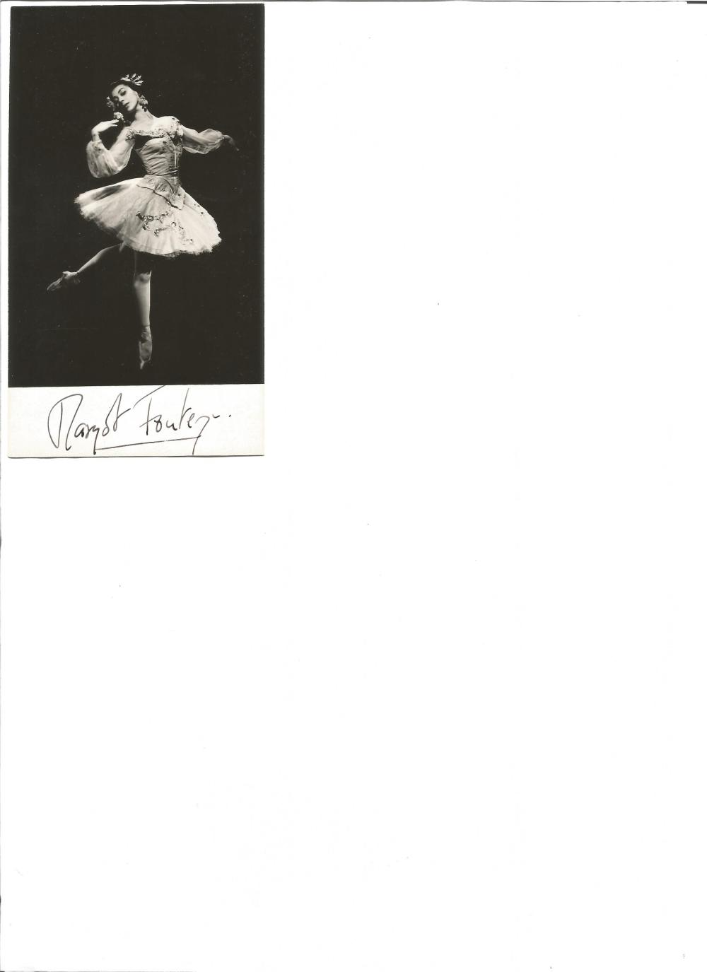 Margot Fonteyn signed 6x3 b/w photo. English ballerina. Good Condition. All signed pieces come