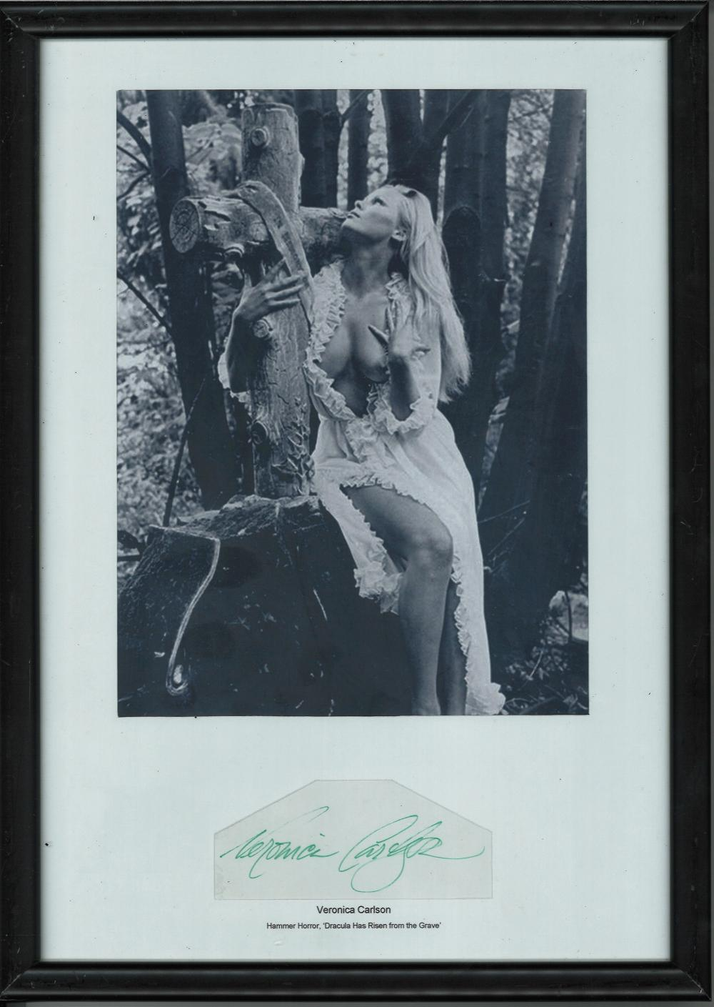 Veronica Carlson signed Black/white portrait photograph mounted in a black frame featuring Peter