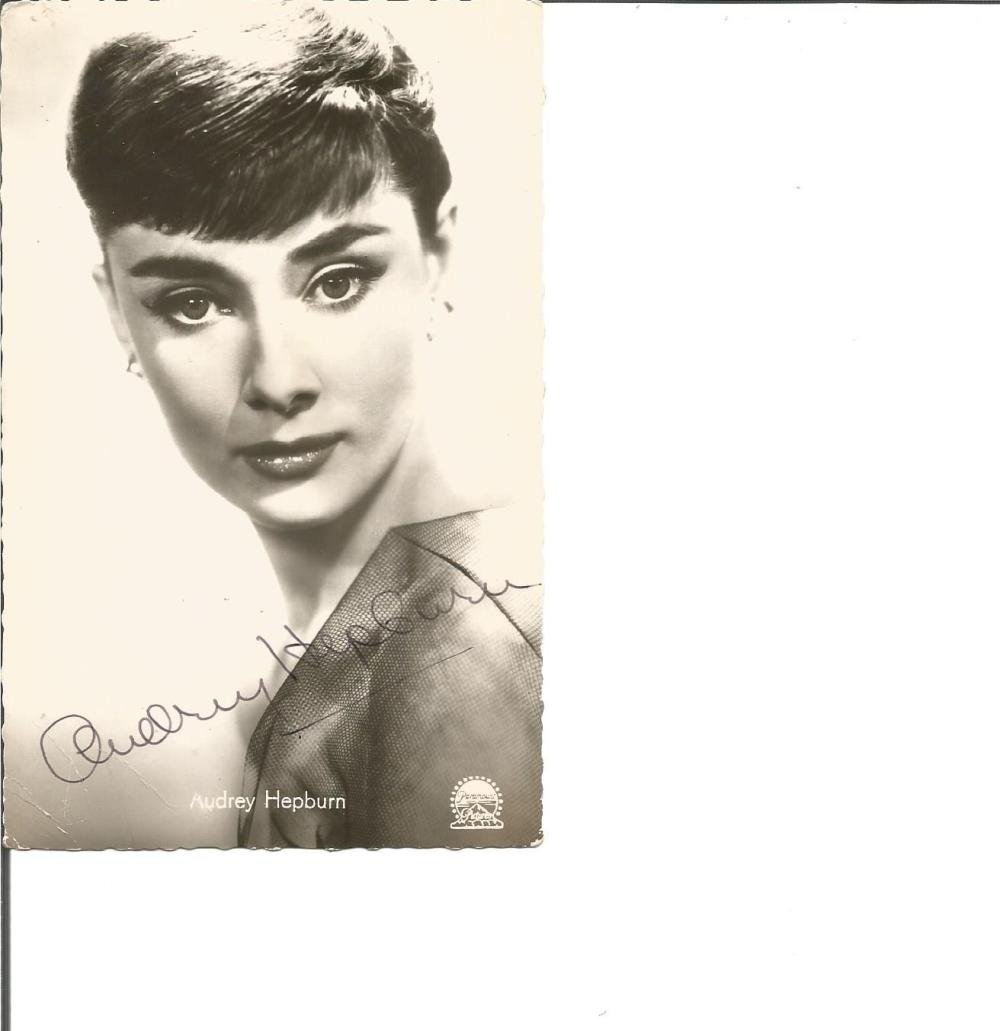 Audrey Hepburn signed 6 x 4 b/w portrait photo, couple small creases to bottom LH not affecting