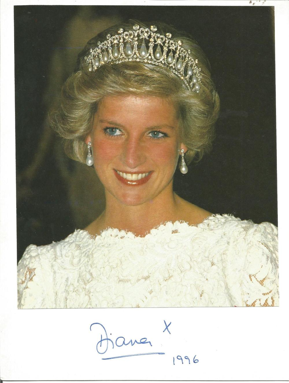 Lady Diana Princess of Wales signed 10 x 8 stunning colour photo dated 1996, with copy of the