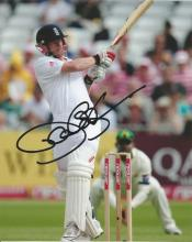 Paul Collingwood 10x8 signed colour photo. Former English cricketer, who played all three formats of