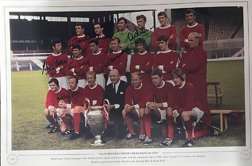 Manchester United 1968 European Cup 16x12 multi signed colour print signatures included are Bill