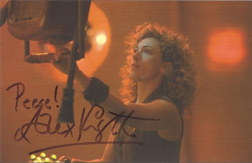 Alex Kingston signed 6x4 colour Dr Who photo English actress Active from the early 1980s, Kingston