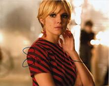 Sienna Miller signed 10 x 8 colour photo. Lovely p