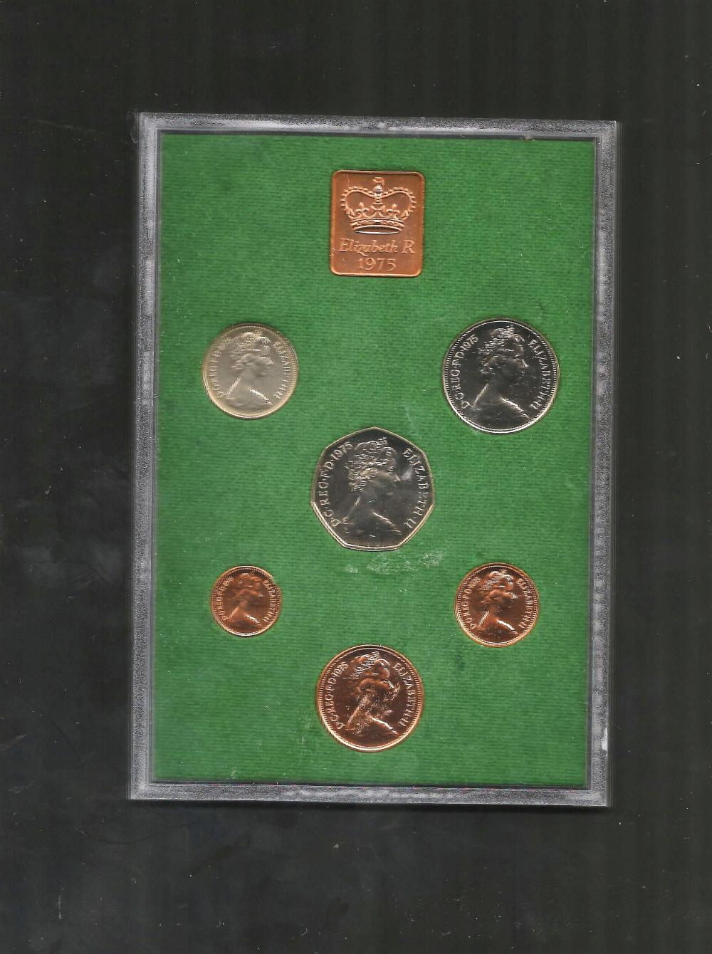 UK GB 1975 Proof coin set, mounted in a plastic display case, with a protective outer case. The