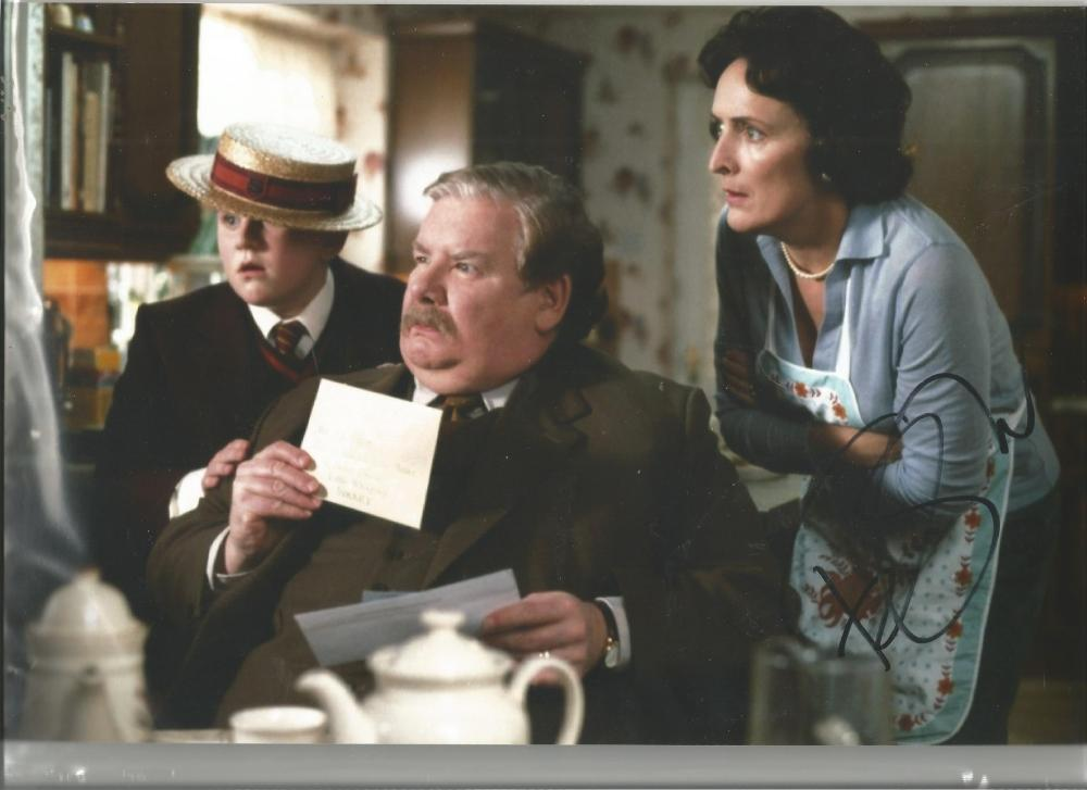 Fiona Shaw signed 12x8 colour photo as Mrs Dursley in Harry Potter. Good Condition. All signed