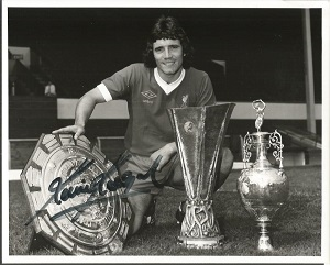 Kevin Keegan signed photograph. Black and white 8x