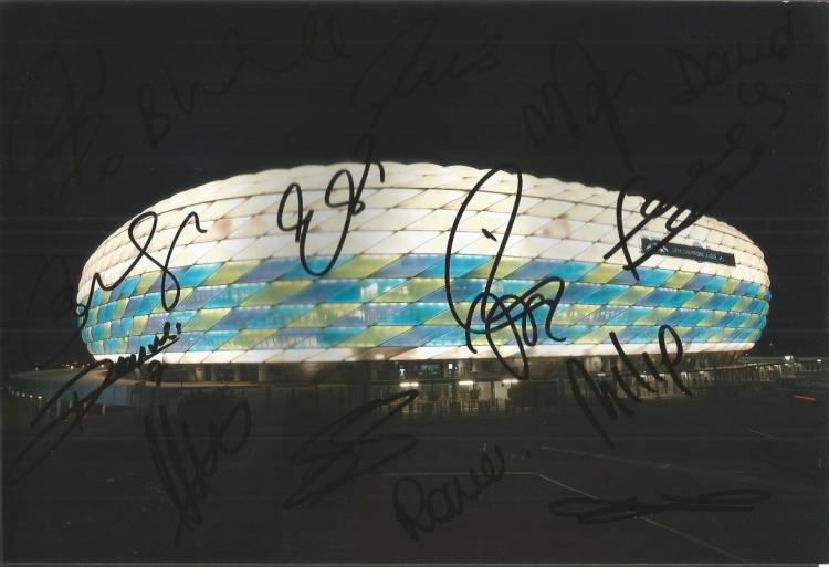 Chelsea Signed 8X12 Allianz Stadium (2012 Champion
