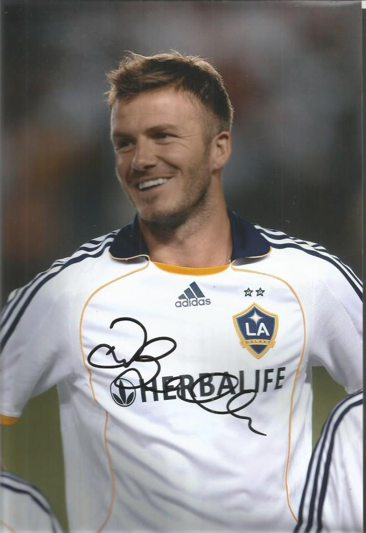 David Beckham Signed La Galaxy 8X12 Photo  Good co