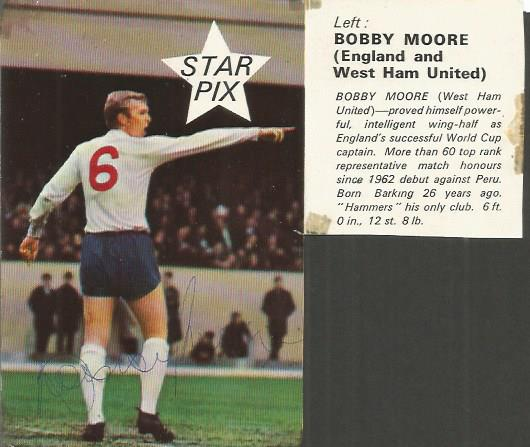 Bobby Moore 1966 World Cup Legend Signed England P
