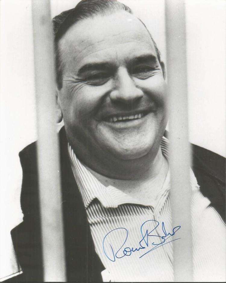 Ronnie Barker Signed 8X10 Porridge Photo With Sign