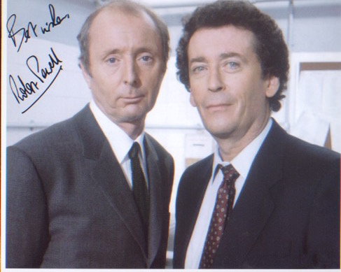 The Detectives. 10x8 picture signed by Robert Powe