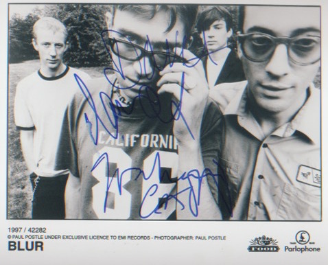 Blur. Promotional 10x8 picture signed by the band.
