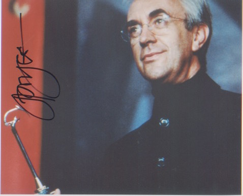 James Bond - Jonathan Pryce. 10x8 picture in chara