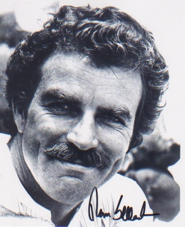 Magnum - Tom Selleck. 10x8 picture in character as