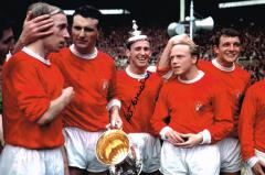 Pat Crerand Manchester United Signed 12 X 8 high q