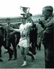 Alan Mullery Spurs Signed 10 X 8 high quality phot