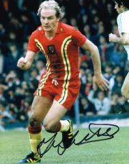 Terry Yorath Wales Signed 10 X 8 high quality phot