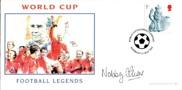 NOBBY STILES: World Cup FootballLegends cover sign