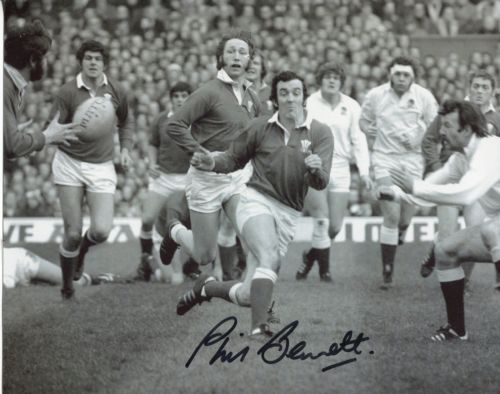 PHIL BENNETT: 8x10 inch photo handsigned by former