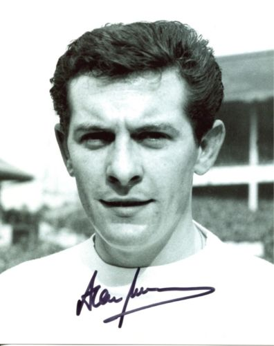 ALAN MULLERY: 8x10 inch photosigned by former Spur