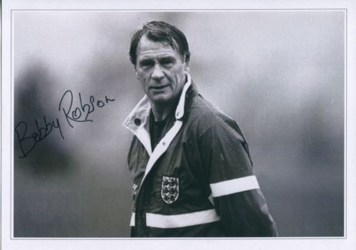 SIR BOBBY ROBSON: 8x12 inch photosigned by the lat