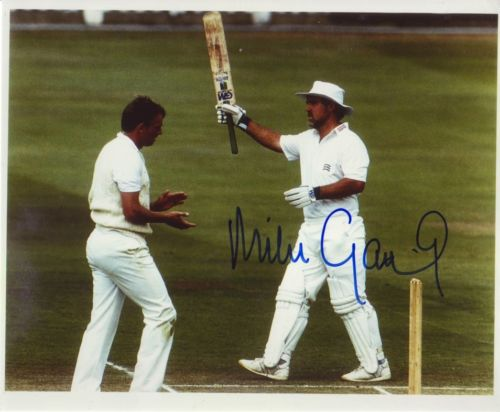 MIKE GATTING: 8x10 inch photosigned by former Engl