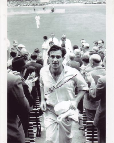FRED TRUEMAN: 8x10 inch photosigned by the late Fr