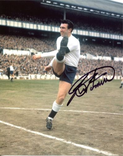BOBBY SMITH: 8x10 inch photosigned by Spurs legend