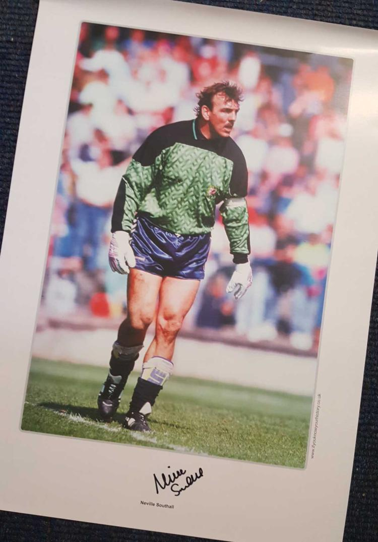 Neville Southall Signed Everton 12X16 Photo  Good