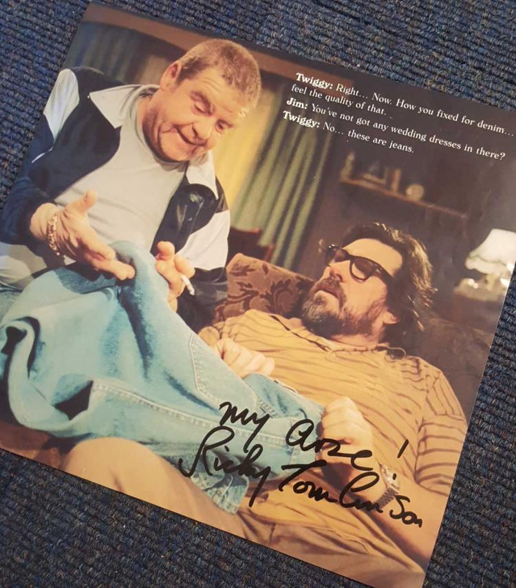 Ricky Tomlinson Signed Royle Family 11X12 Picture