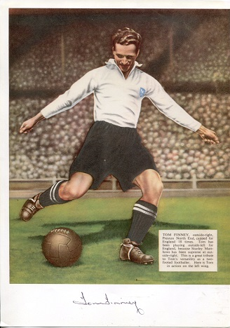 SIR TOM FINNEY: 8x12 inch picturesigned by the lat