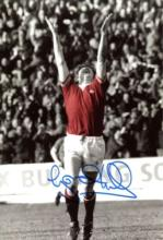 MANCHESTER UNITED: 8x12 photosigned by former Manc