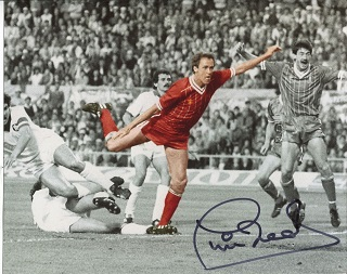 LIVERPOOL: 8x10 inch photo handsigned by former Li