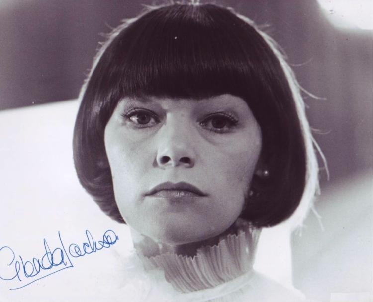 GLENDA JACKSON: 8x10 inch photosigned by actress D