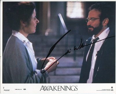 ROBIN WILLIAMS: 8x10 photo signedby the late Robin