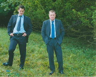 MIDSOMER MURDERS: 8x10 inch photofrom the hugely p