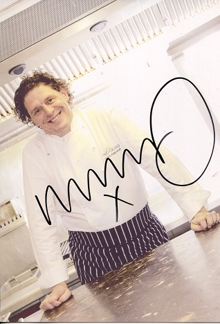 MARCO PIERRE WHITE: 8x12 inchphoto signed by the p