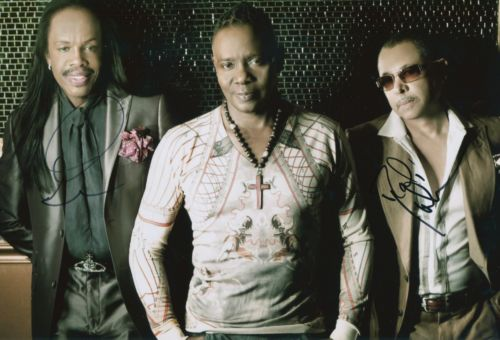 MOTOWN LEGENDS: 8x12 inch photosigned by Verdine W