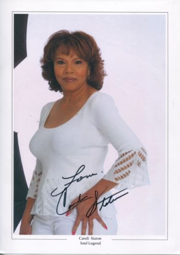 MOTOWN LEGEND: 8x12 inch photosigned by Motown leg