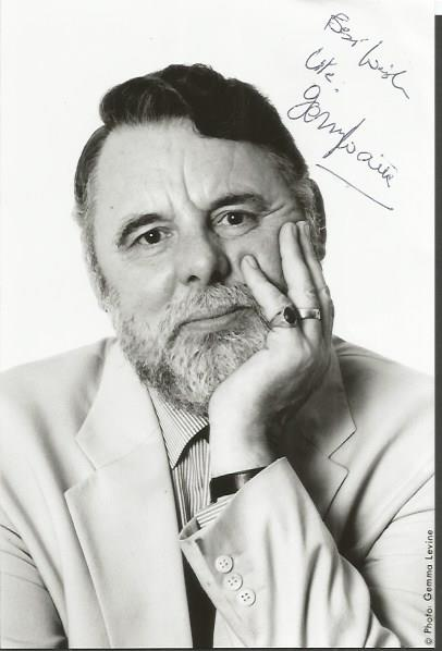 TERRY WAITE signed 4x6 Photo. Good condition. All