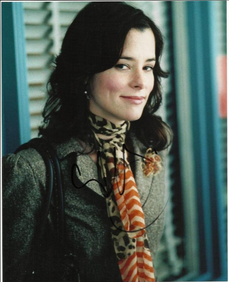 Parker Posey signed colour 10x8 photo. American a