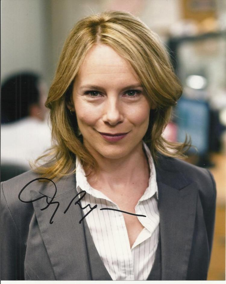 Amy Ryan signed 10x8 colour photo. America stage