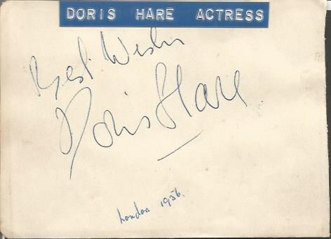 Doris Hare b/w photo signed on reverse actress bes